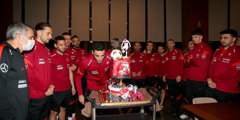 Ozan Kabak'ın doğum günü kutlandı