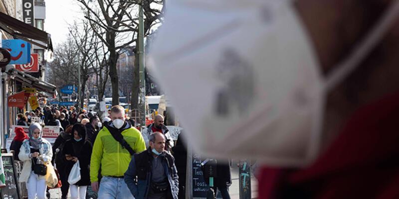 Almanya'dan kritik Kovid-19 açıklaması: Günlük vaka sayısı 100 bini bulabilir
