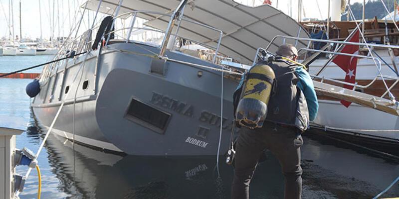 Bodrum Limanı'nda demirli tekne su alıp, yan yattı