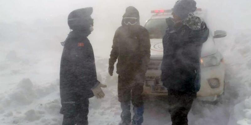 Son dakika... Karda mahsur kalan kayıp genç kurtarıldı