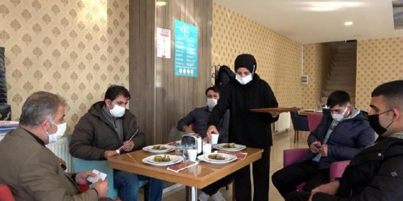 Bu kafede çay, aşı olana ücretsiz