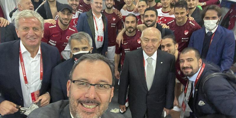 Bakan Kasapoğlu: Türk futbolunun yükselişi güçlü yarınlara doğru devam edecek