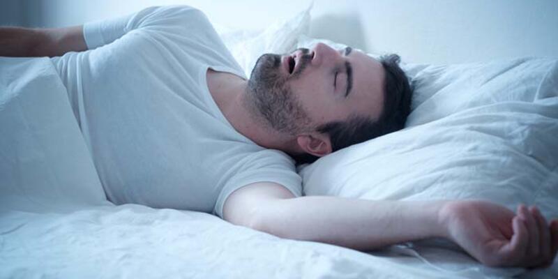 Tedavi edilmeyen uyku apnesi diğer hastalıkları da tetikleyebiliyor
