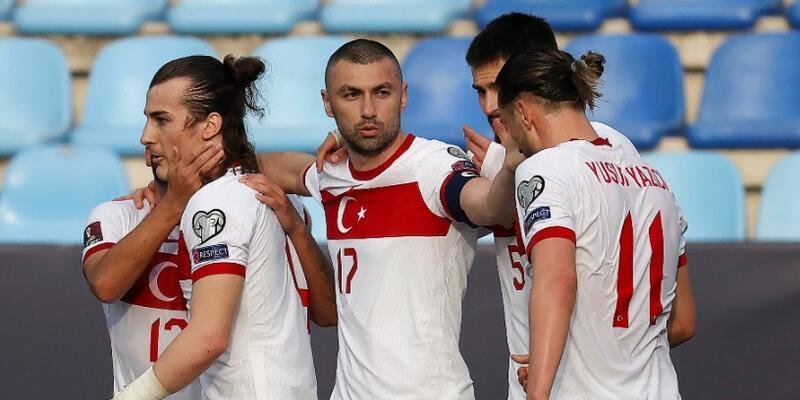 Bülent Korkmaz: 3-4 oyuncu daha Fransa'ya gidecek