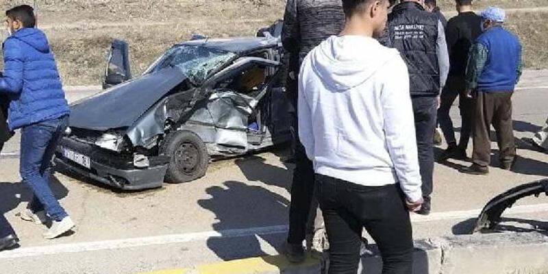Kırıkkale'de 2 otomobil çarpıştı: 4 yaralı