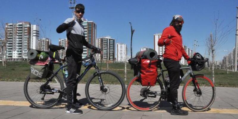 Diyarbakırlı 2 arkadaş, bisikletle Türkiye turuna çıktı