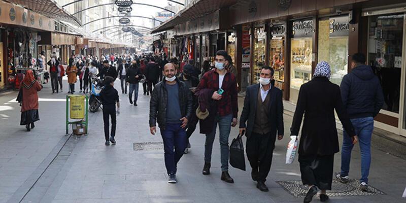 Kırmızı kategorideki Gaziantep'te çarşılar dolu