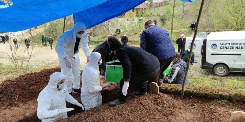 Aynı aileden 5 kişi koronavirüsten öldü