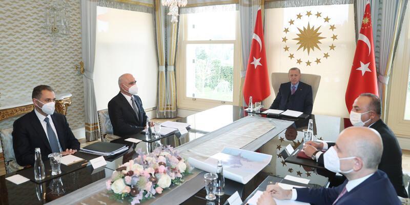 Cumhurbaşkanı Erdoğan Azerbaycan Başbakan Yardımcısı'nı kabul ediyor