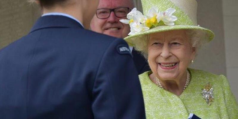Harry ve Meghan hedef tahtasına koymuştu! Kraliçe Elizabeth böyle görüntülendi
