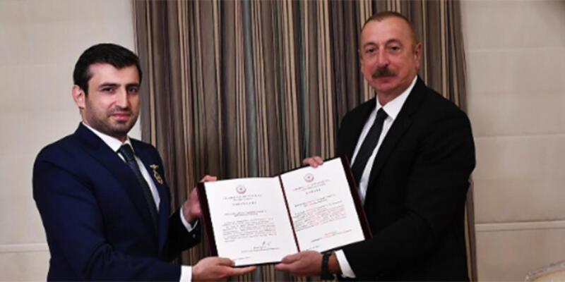 """Aliyev, Baykar Teknik Müdürü Selçuk Bayraktar'a """"Karabağ Nişanı"""" takdim etti"""