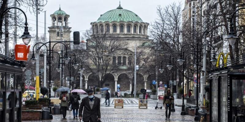 Bulgaristan'da koronavirüs önlemleri gevşetildi