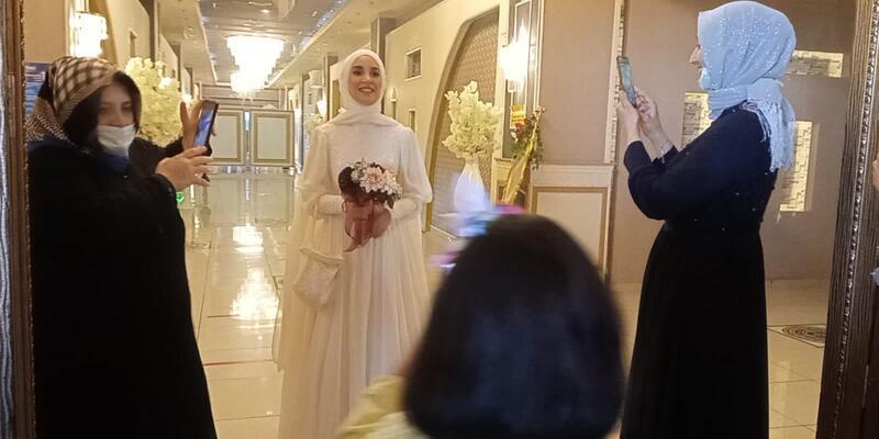 Cübbeli Hoca'nın kızının düğününe çok sayıda kişi katıldı