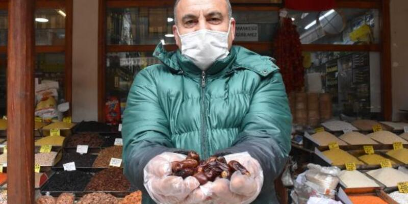 Ramazanda hurmaya talep artı; en ucuzu 'İran' hurması