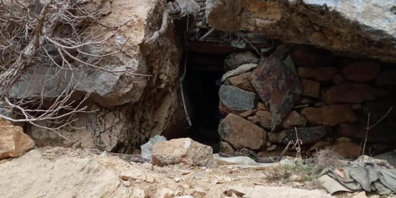 Tunceli'de teröristlerin kullandığı 3 mağara kullanılamaz hale getirildi