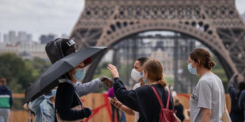 Fransa'da son 24 saatte 29 bin 344 Kovid-19 vakası tespit edildi
