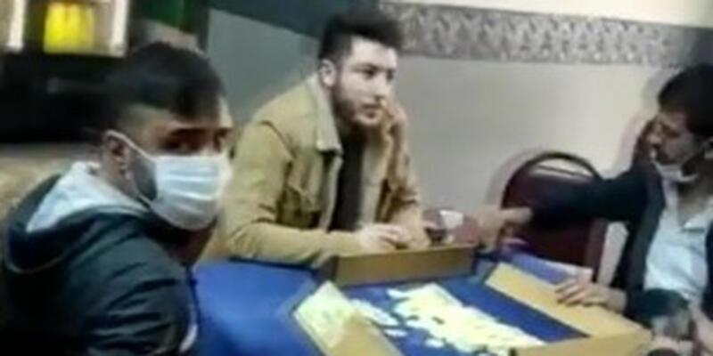 Beyoğlu'nda kıraathaneye koronavirüs baskını kamerada