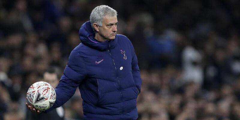Son dakika... Tottenham Jose Mourinho'nun görevine son verdi!