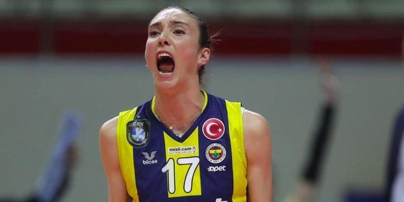 Naz Aydemir Akyol'dan 2 yıllık imza