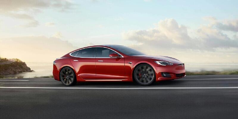 Tesla otomobillerden kazanmadığı kadar çok kazanıyor