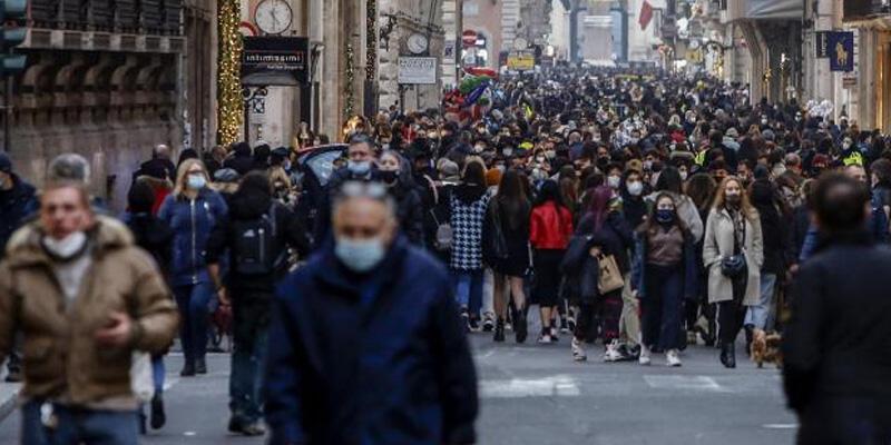 İtalya'da son 24 saatte Kovid-19 nedeniyle 390 kişi hayatını kaybetti