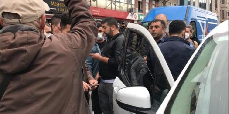 Beyoğlu'nda kucağında çocuk olan kişiye silahlı saldırı