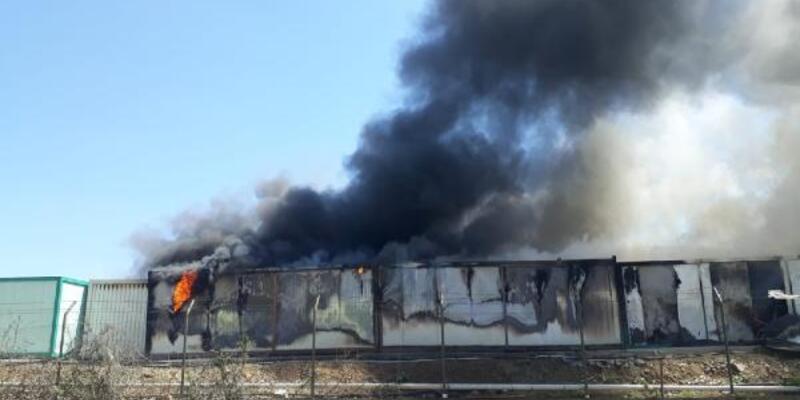Esenler'de işçilerin kaldığı konteynerlerde yangın