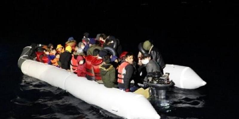 Yunanistan'ın ölüme terk ettiği 44 kaçak göçmen kurtarıldı