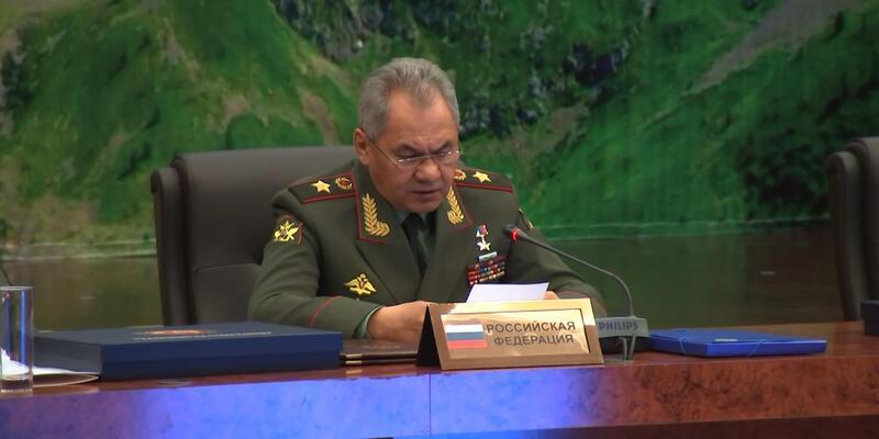 Rusya Savunma Bakanı Şoygu: NATO Avrupa'daki birliklerini savaşa hazırlıyor