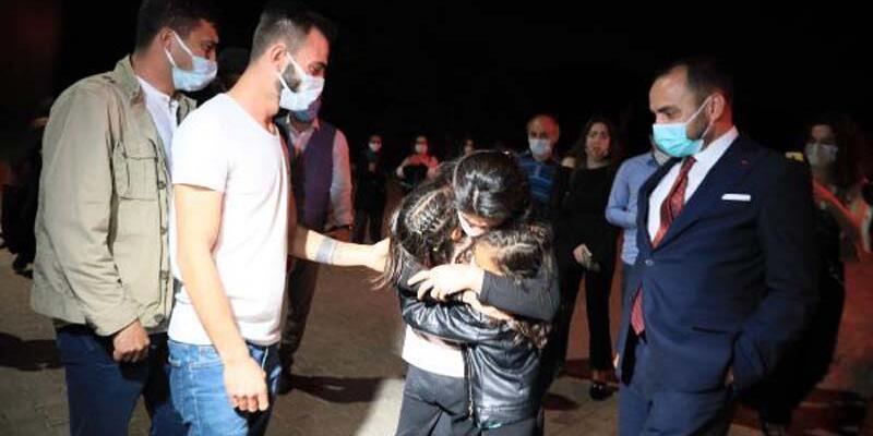 Melek İpek, zor günleri unutmak için kızlarıyla tatile çıktı