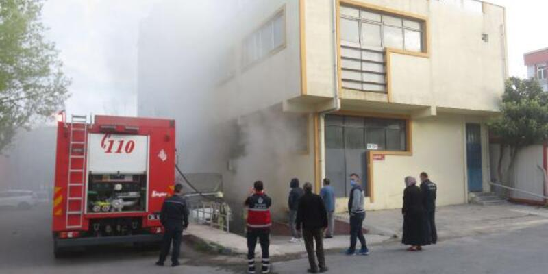 Ümraniye'de mobilya atölyesinde yangın