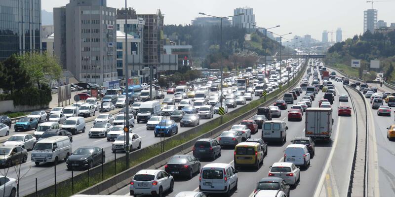 Tam kapanmaya 6 saat kala trafik yoğunluğu: 13.20'de yüzde 65