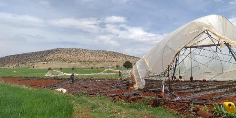 Antalya'da hortum: Sera yıkıldı, fideler zarar gördü