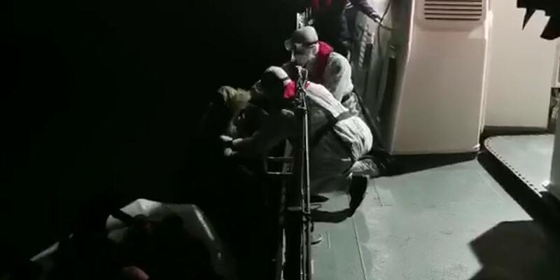 Dikili'de 22 kaçak göçmen kurtarıldı