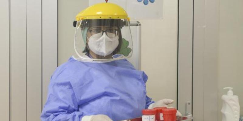 Koronavirüsü yenen hemşire: Tam kapanma, normale dönüş için fırsat