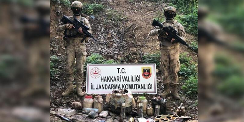 Hakkari'de, teröristlere ait silah, mühimmat ve patlayıcı ele geçirildi
