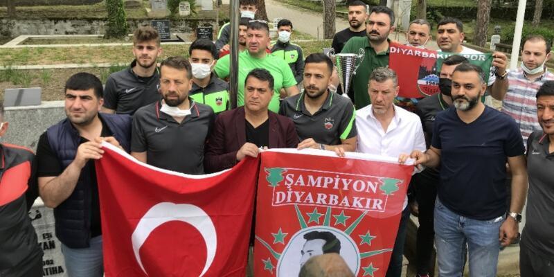 Diyarbekirspor'dan Ali Gaffar Okkan'ın kabrine ziyaret