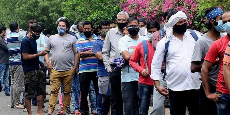 Hindistan'dan Türkiye'ye gelenlere 14 gün zorunlu karantina uygulanıyor