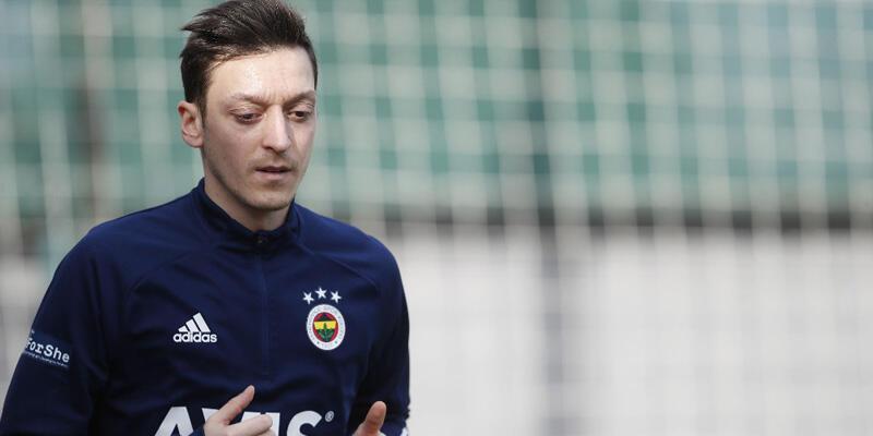 Son dakika... Fenerbahçe'de Mesut Özil kararı!