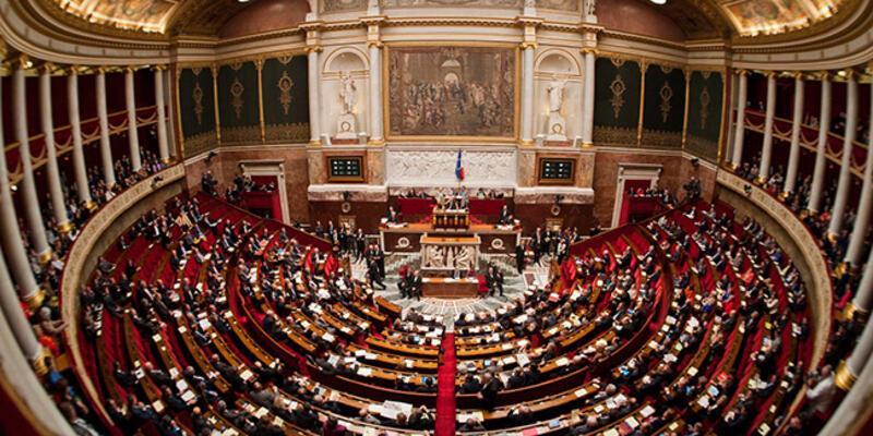 Fransa'da 16 emekli generalden meclise 'iç savaş' uyarısı