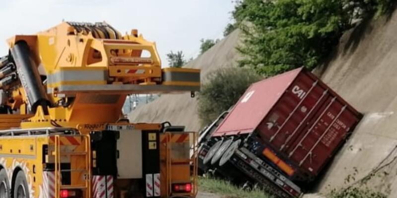 Bursa- Ankara karayolunda trafik durdu