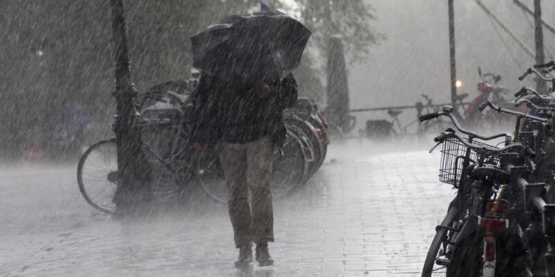 Bugün İstanbul hava durumu nasıl ? Meteoroloji'den yerel kuvvetli yağış ve rüzgar uyarısı