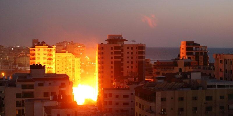 Hamas İsrail'e 130 roket attı