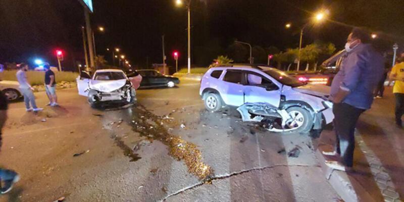 Aydın'da iki otomobil çarpıştı: 3 yaralı