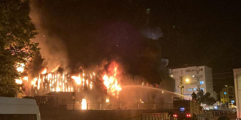 Zonguldak'ta markette yangın!