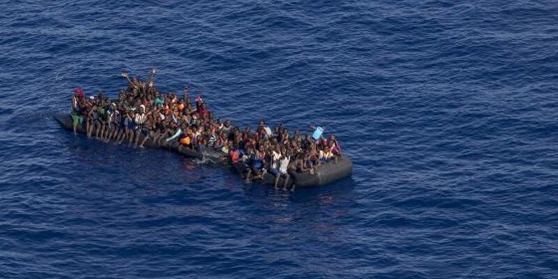 Akdeniz'de en az 50 düzensiz göçmen kayboldu