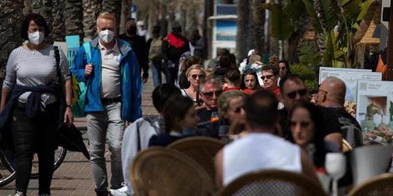 İspanya, 7 Haziran'dan itibaren Kovid-19 aşısı olan herkese sınırlarını açacak