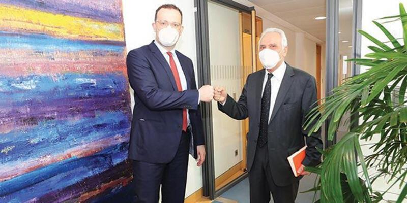 Almanya Sağlık Bakanı Spahn: BioNTech aşılı Türkler turist olarak gelebilir