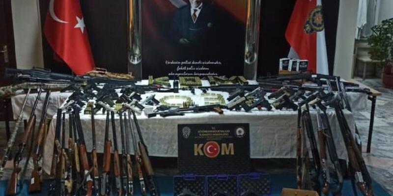 Silah ticareti yapan örgüte 8 ilde eş zamanlı operasyon: 49 gözaltı
