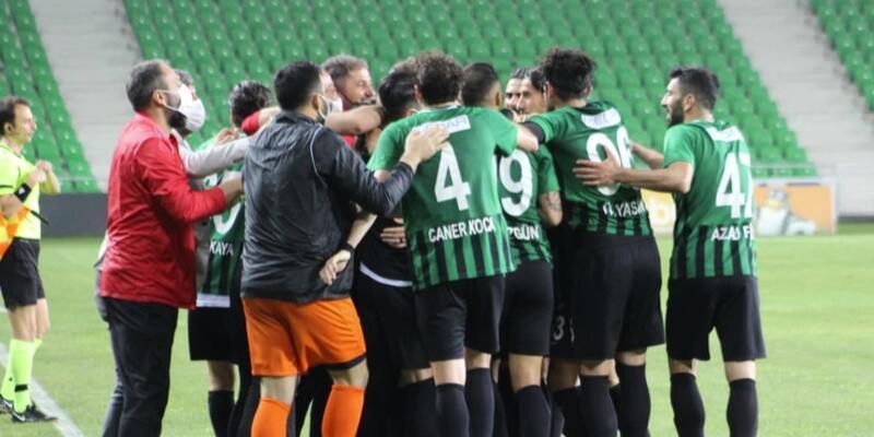 2. Lig play-off'ta finalin adı: Kocaelispor-Sakaryaspor